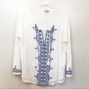 Lucky Brand White Top/Blue embroidery  size M